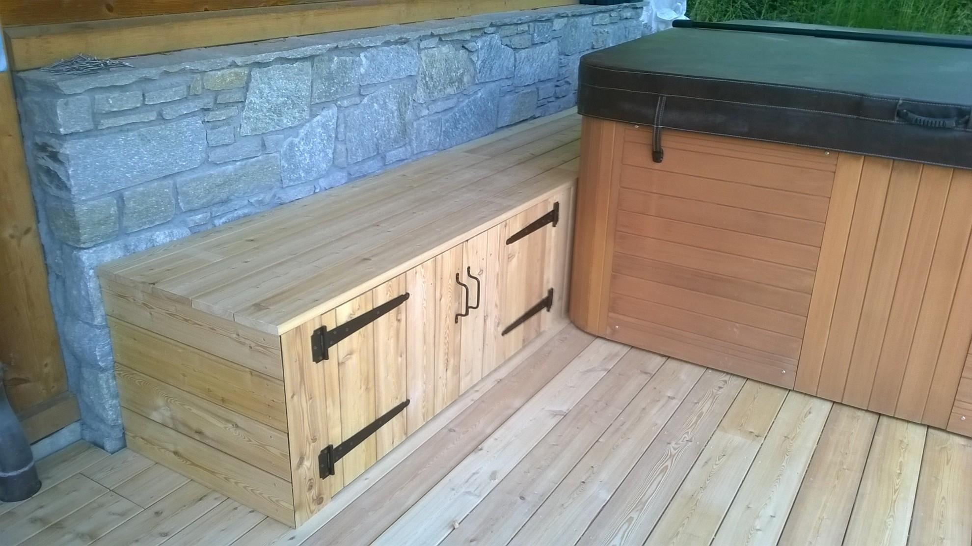 Coffre De Rangement Sous Pente nbc bois - aménagement extérieur autour d'un spa